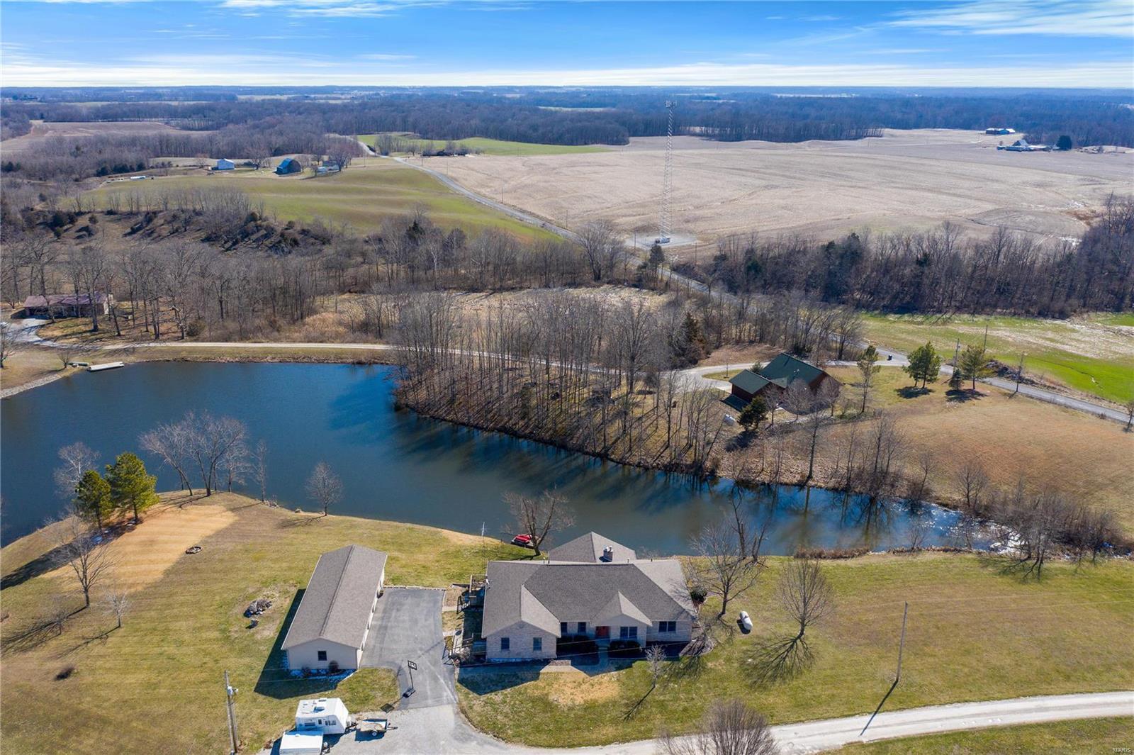 7 Rohrbeck Drive Property Photo - Nashville, IL real estate listing