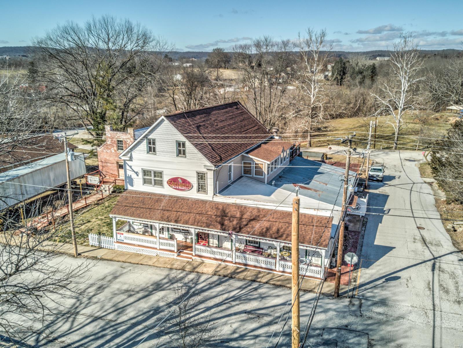 5567 Walnut Street Property Photo - Augusta, MO real estate listing