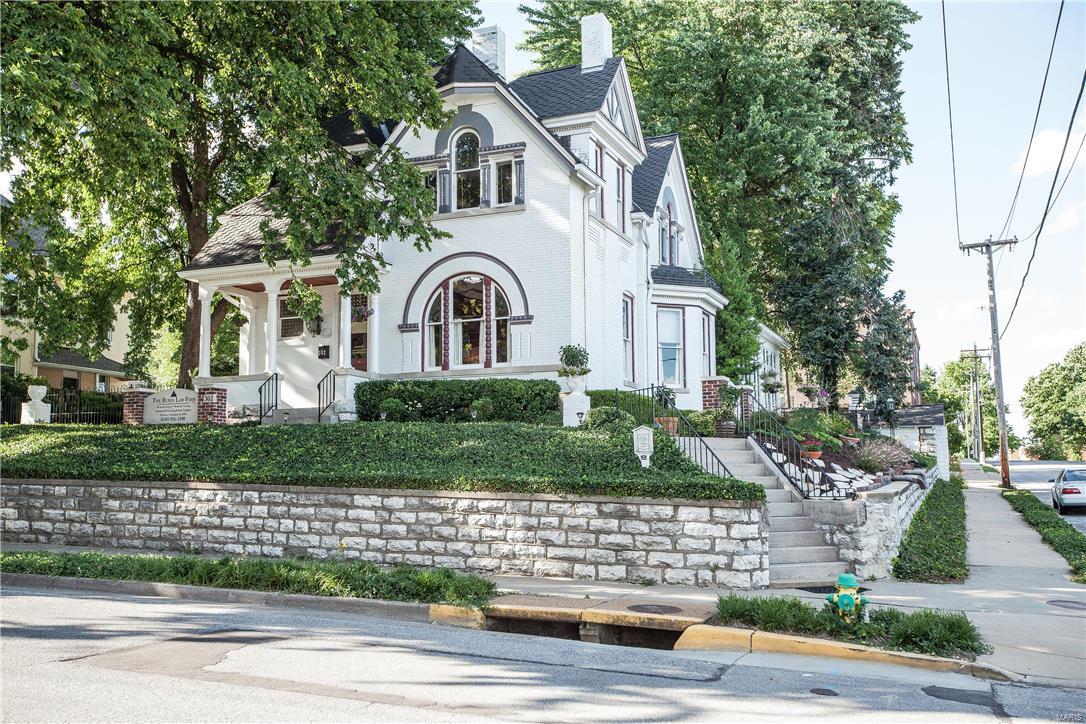 302 Jefferson Street Property Photo