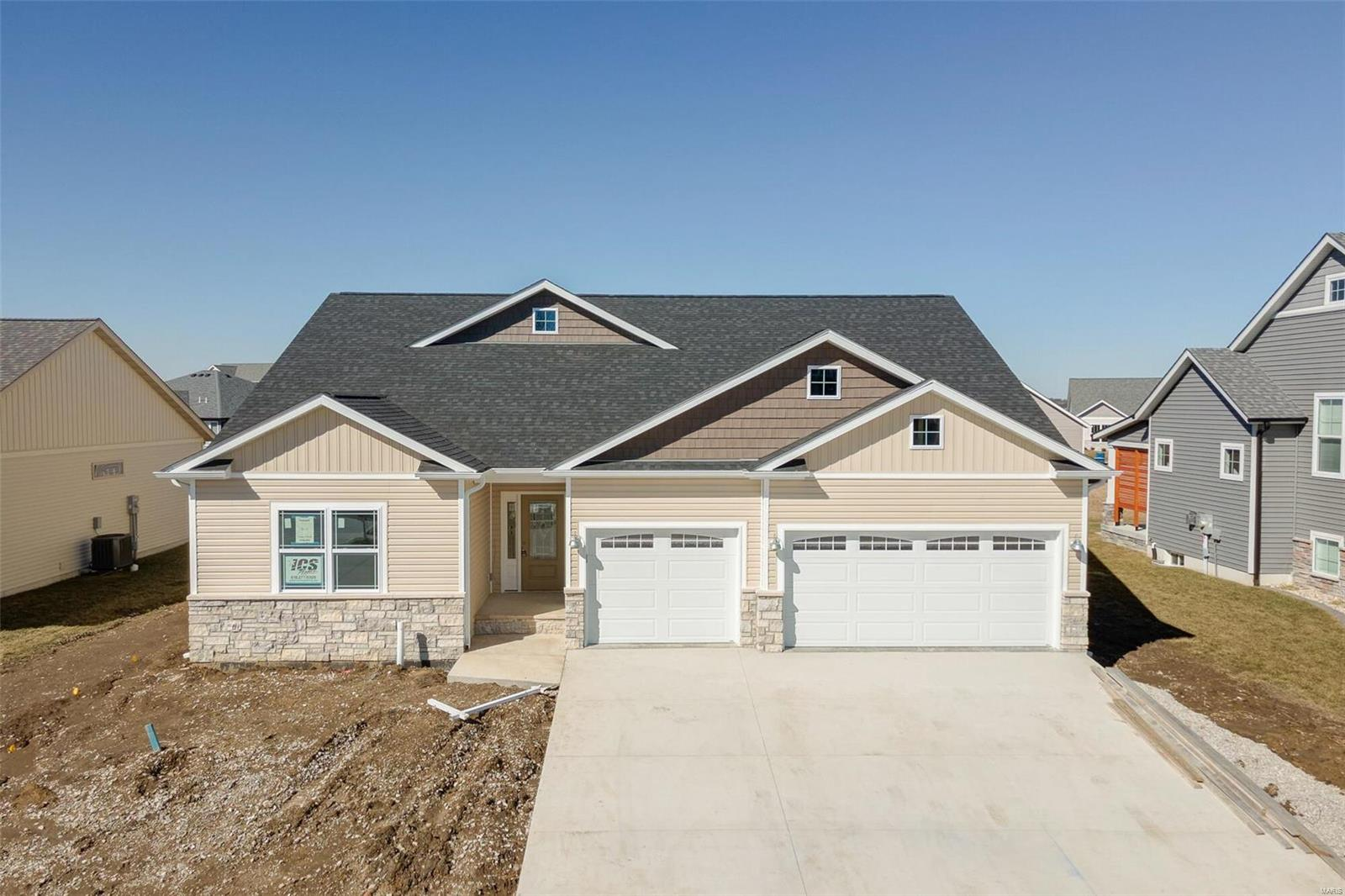 7121 Augusta Drive Property Photo - Glen Carbon, IL real estate listing