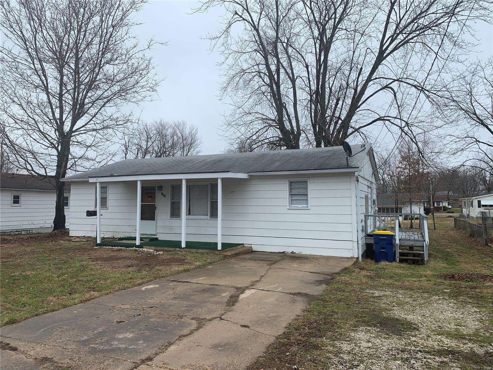 1300 S Mcarthur Property Photo