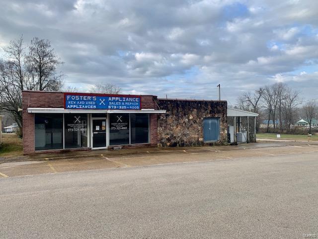 18276 Second Street Property Photo - Winona, MO real estate listing