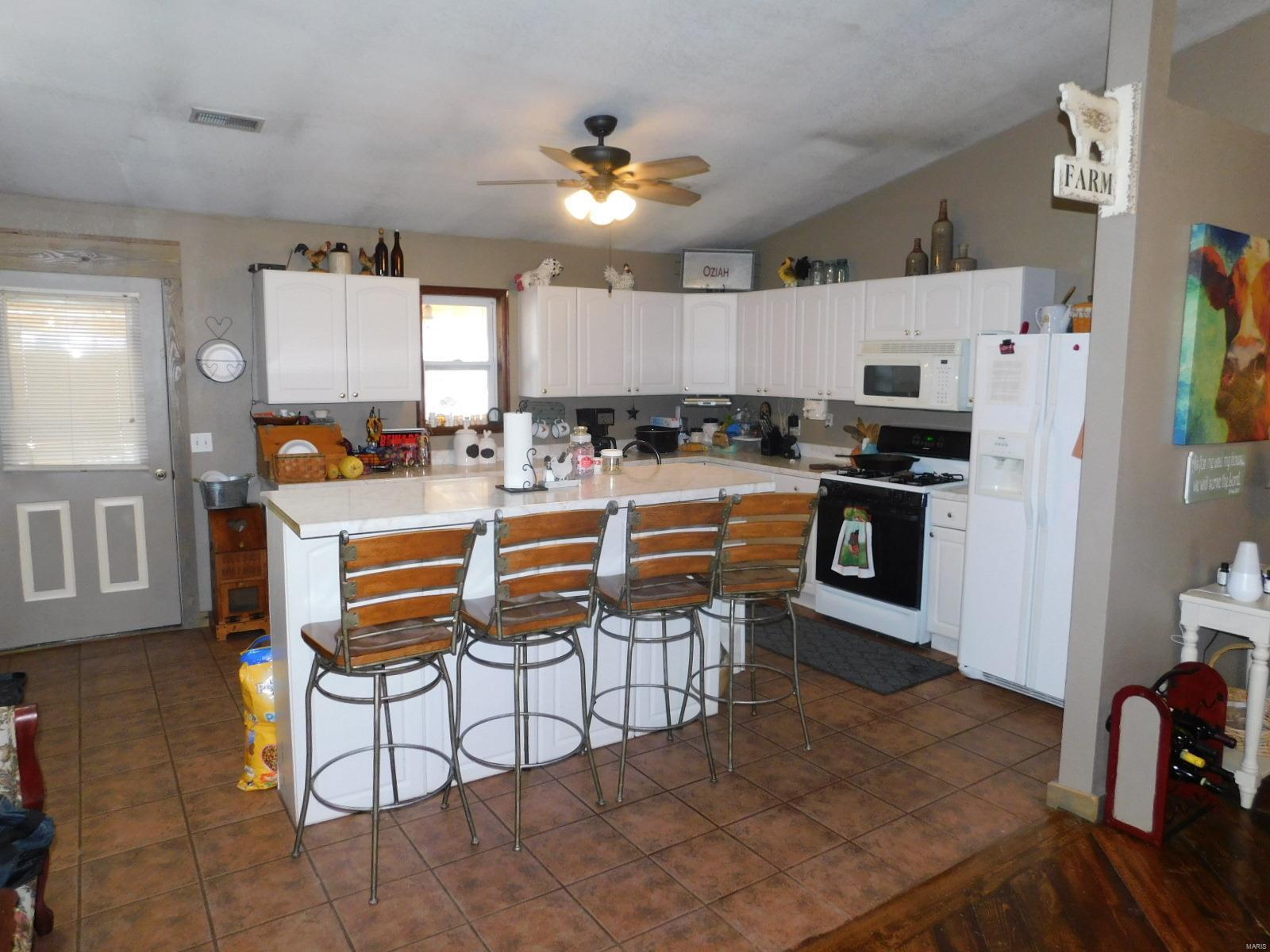 1025 S Elm Street Property Photo - Mountain View, MO real estate listing