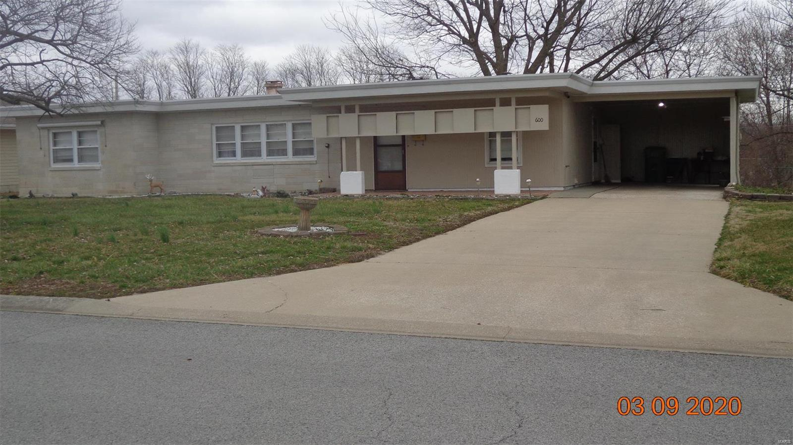 600 Solomon Property Photo - Chester, IL real estate listing