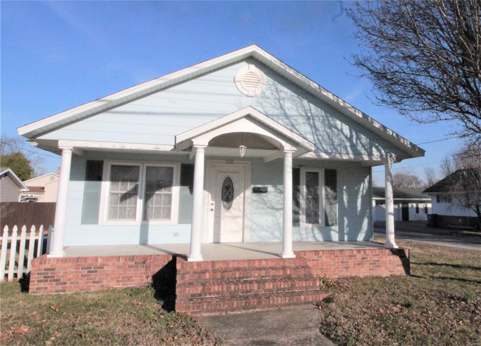 708 S Victor Street Property Photo - Christopher, IL real estate listing