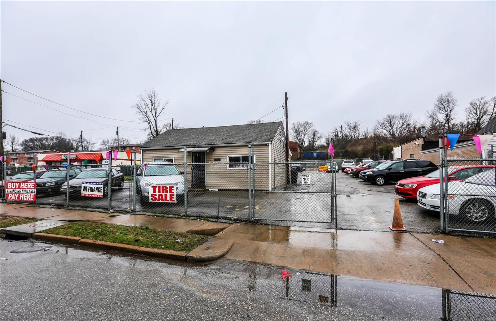 8827 N Broadway Property Photo - St Louis, MO real estate listing