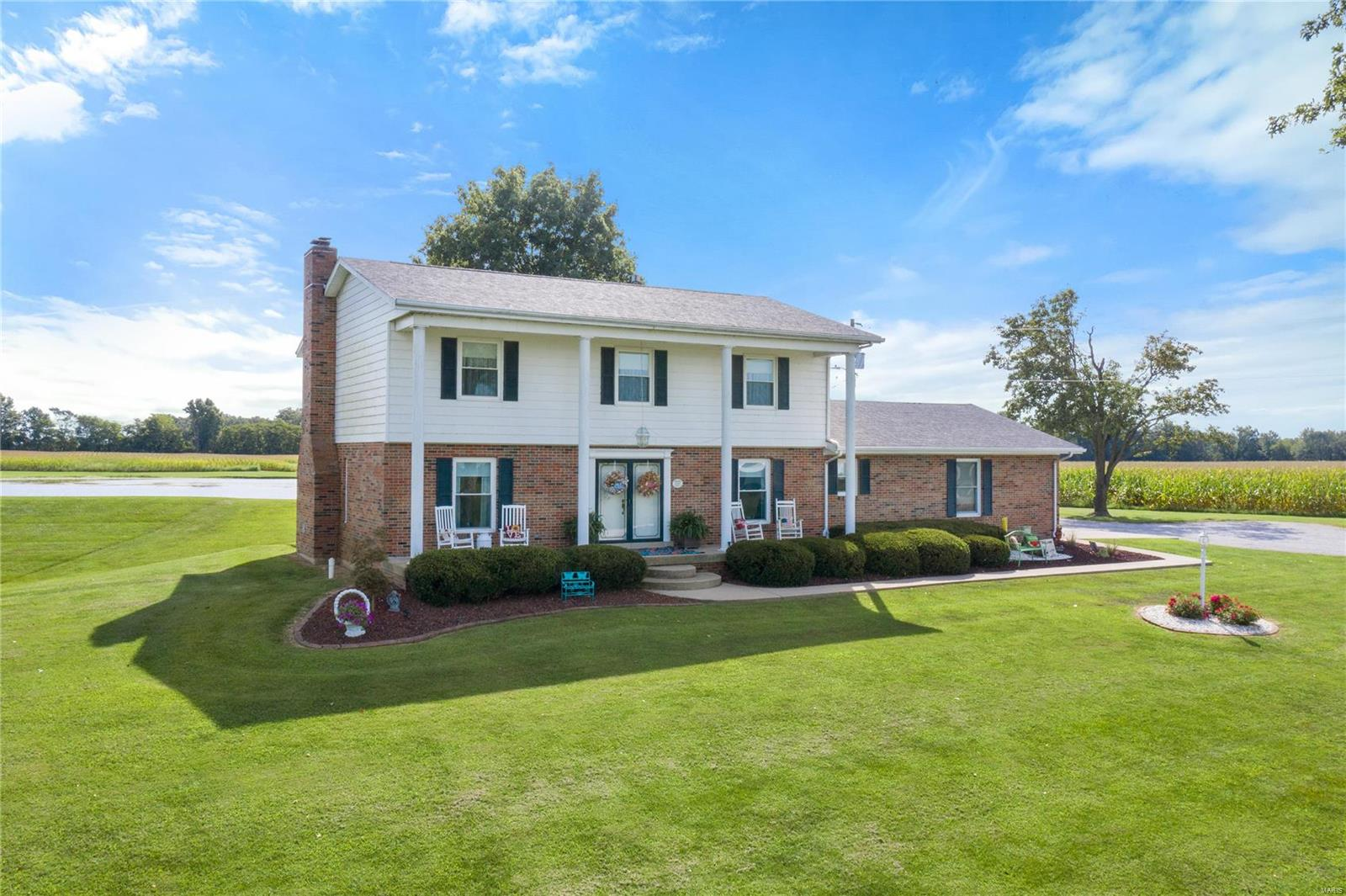 2592 Hickory Creek Road Property Photo - Dubois, IL real estate listing