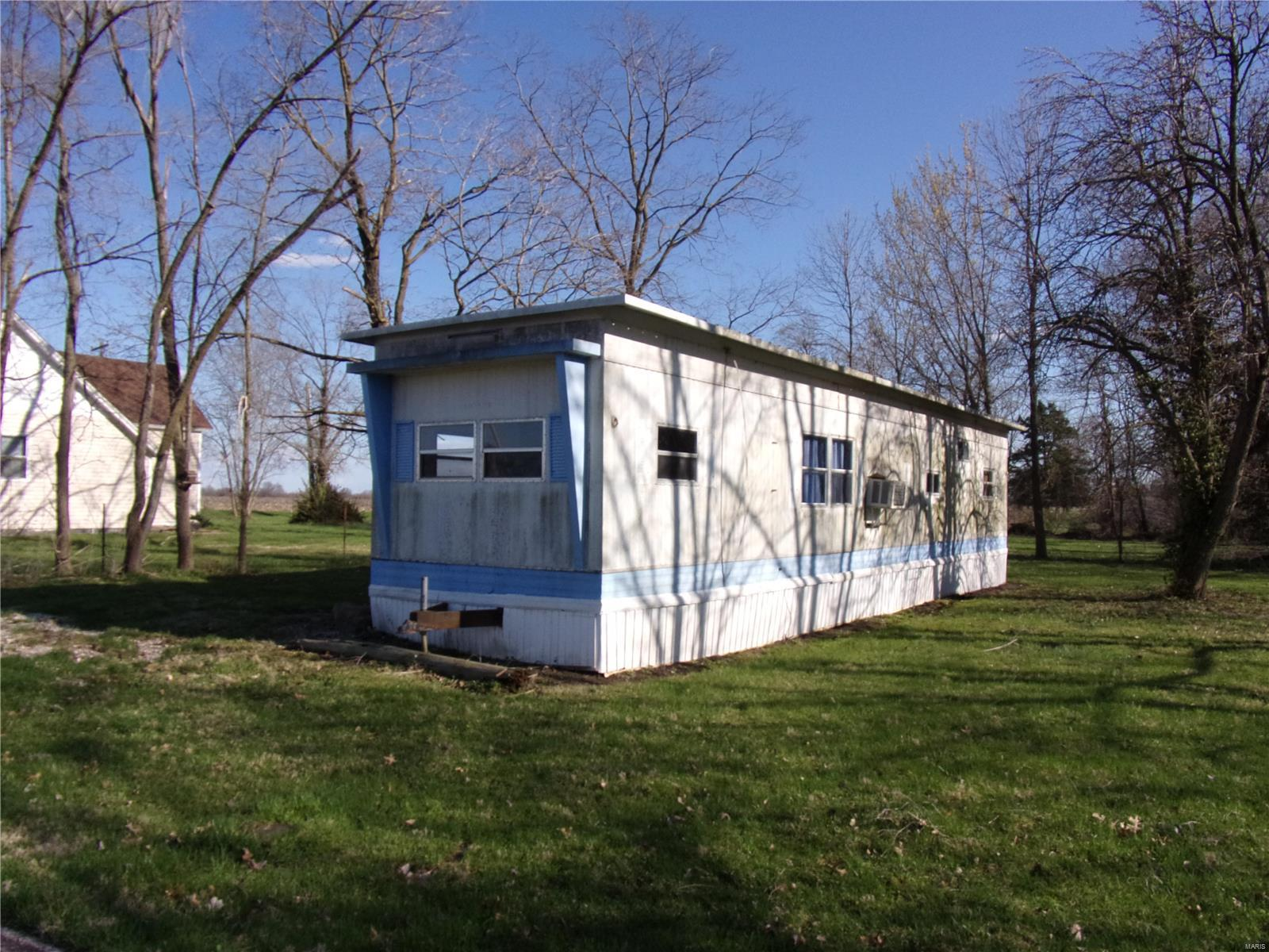 708 E PINE Property Photo - Bellflower, MO real estate listing