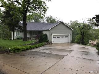 2 Greenbriar Property Photo - Chester, IL real estate listing