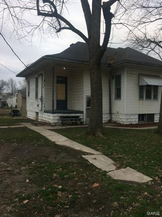 408 S Jackson Property Photo - New Athens, IL real estate listing
