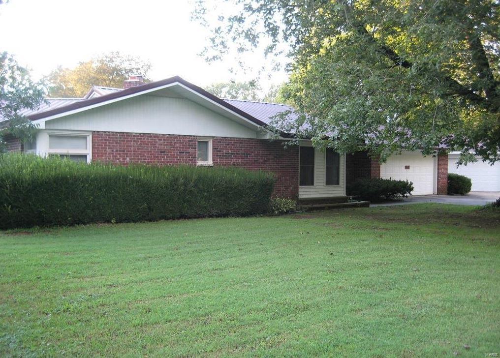 419 Lakeshore Property Photo