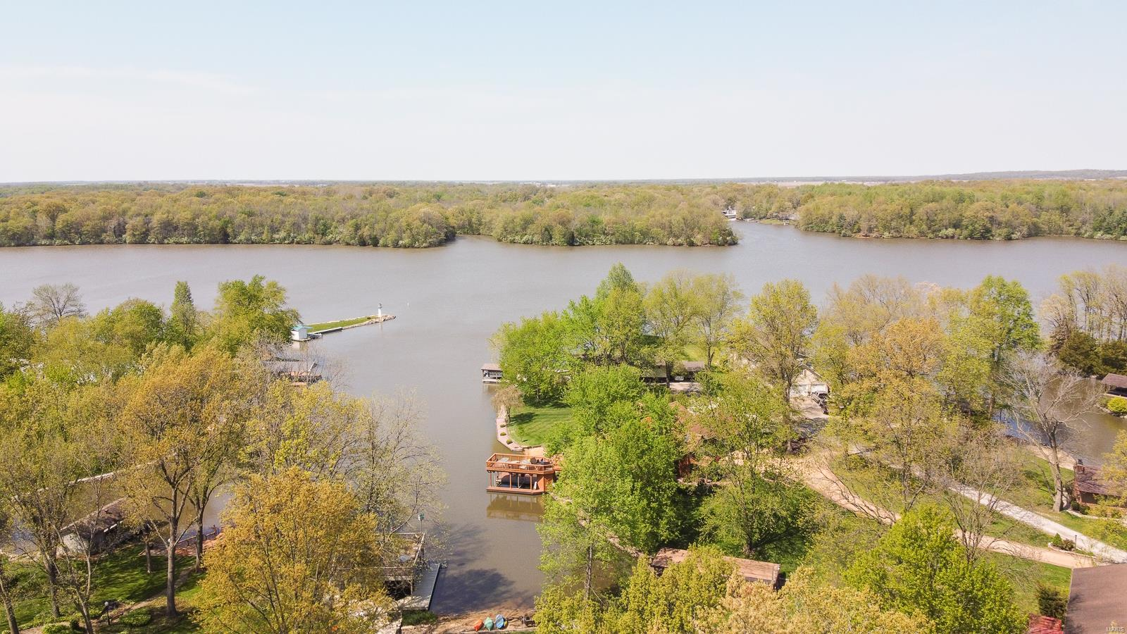2216 Lake Hills Property Photo - Vandalia, IL real estate listing