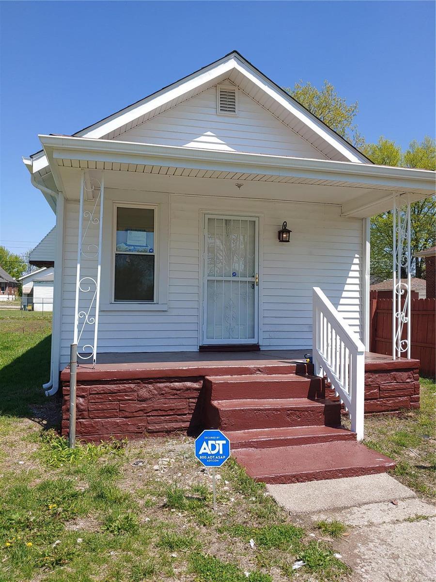 2433 Saint Louis Avenue Property Photo - East St Louis, IL real estate listing