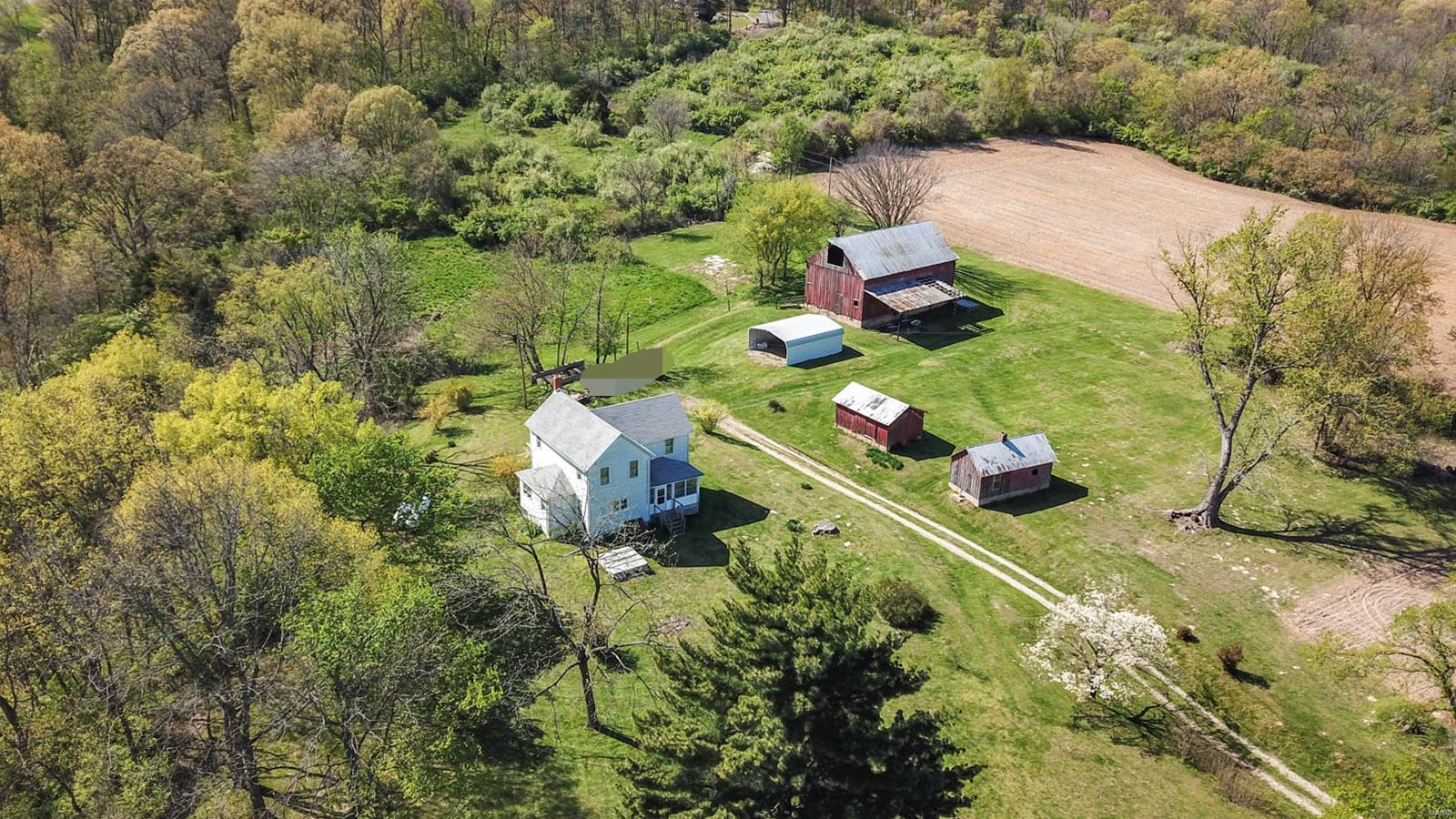 26066 Elsah Hills Drive Property Photo - Dow, IL real estate listing