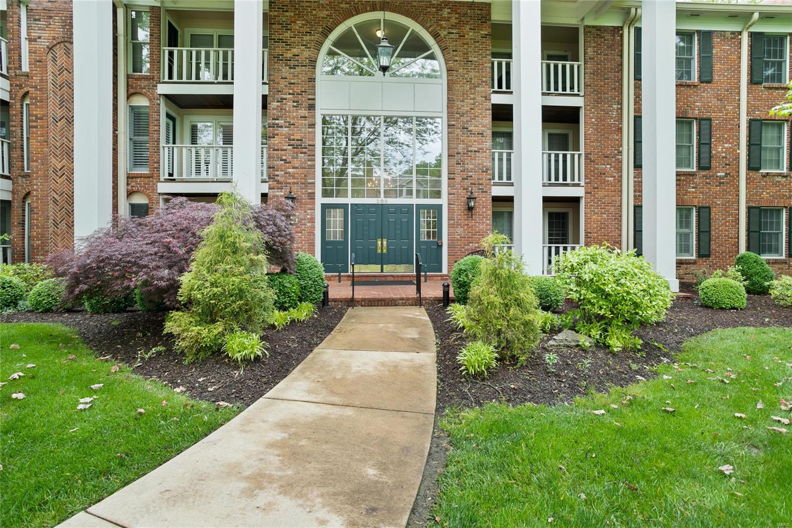 200 Ambridge Court #105 Property Photo - Chesterfield, MO real estate listing