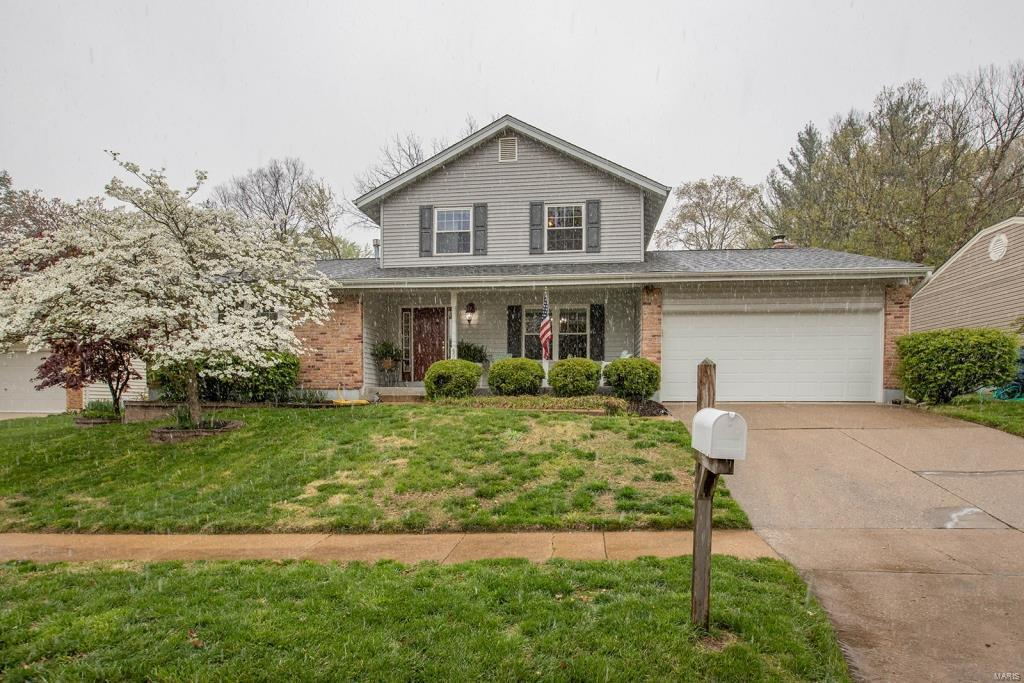 457 Melanie Meadows Lane Property Photo - Ballwin, MO real estate listing
