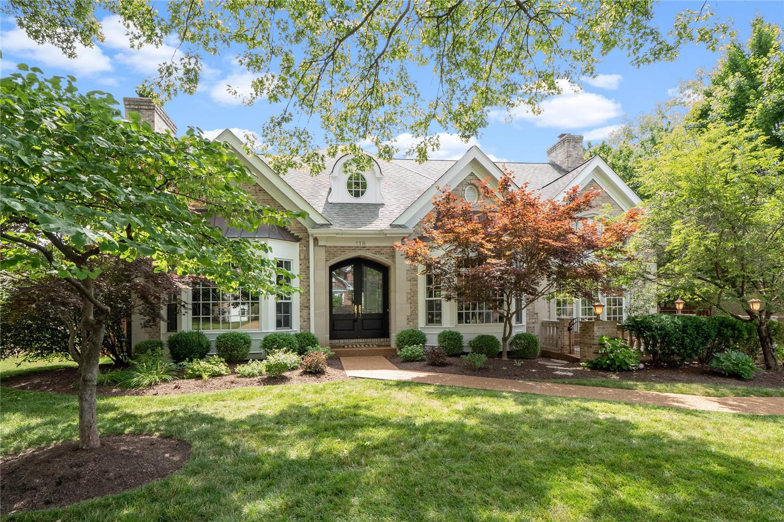 118 Crandon Drive Property Photo - Clayton, MO real estate listing