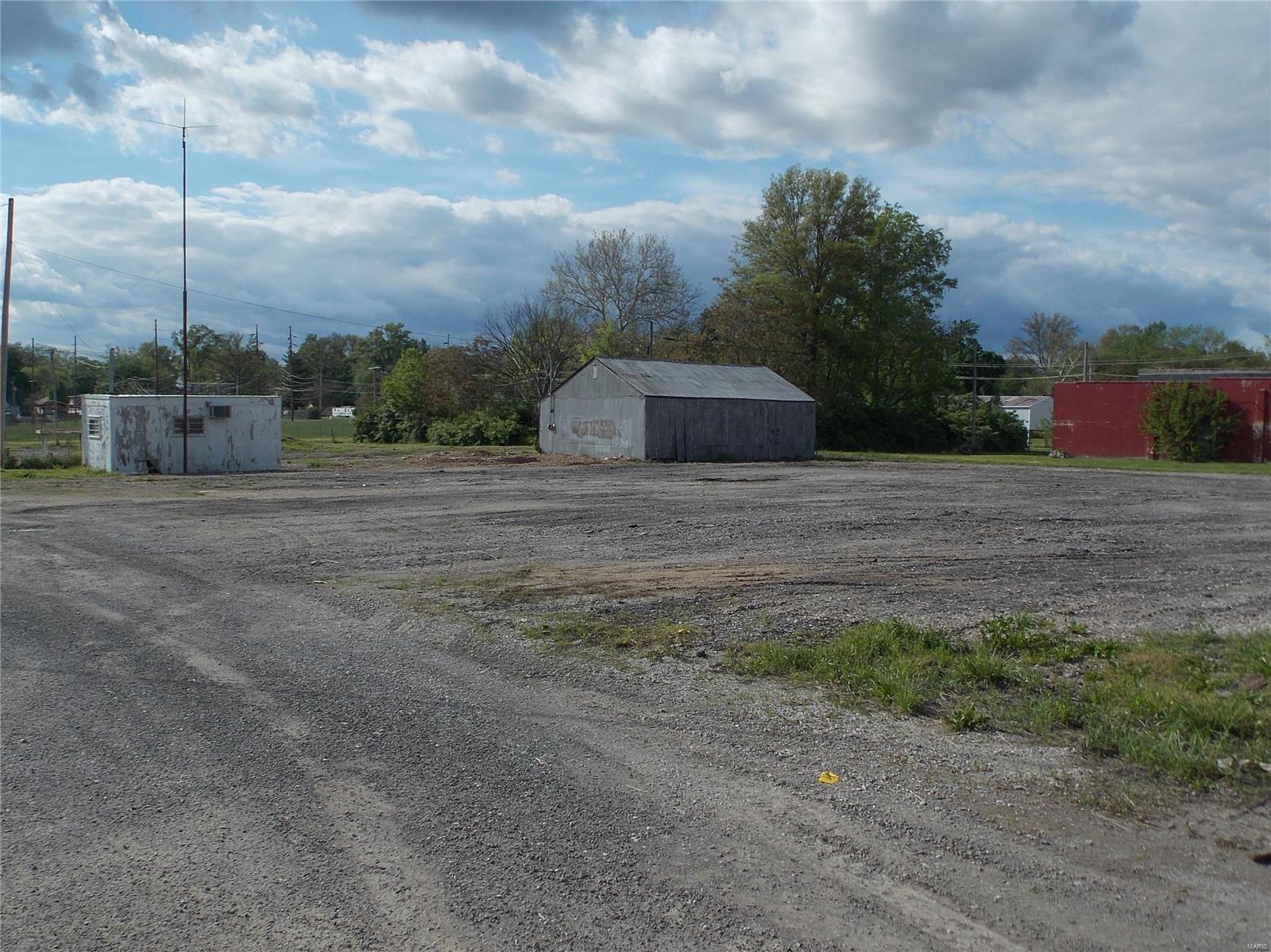 600 S Walnut Street Property Photo - Centralia, IL real estate listing