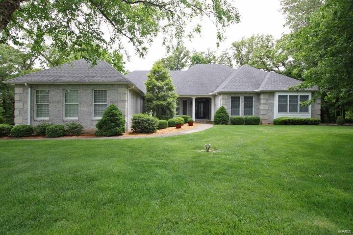 5350 White Oak Drive Property Photo - Smithton, IL real estate listing