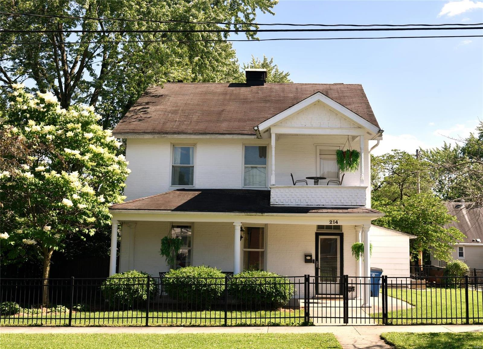 214 E Main Property Photo - Greenville, IL real estate listing