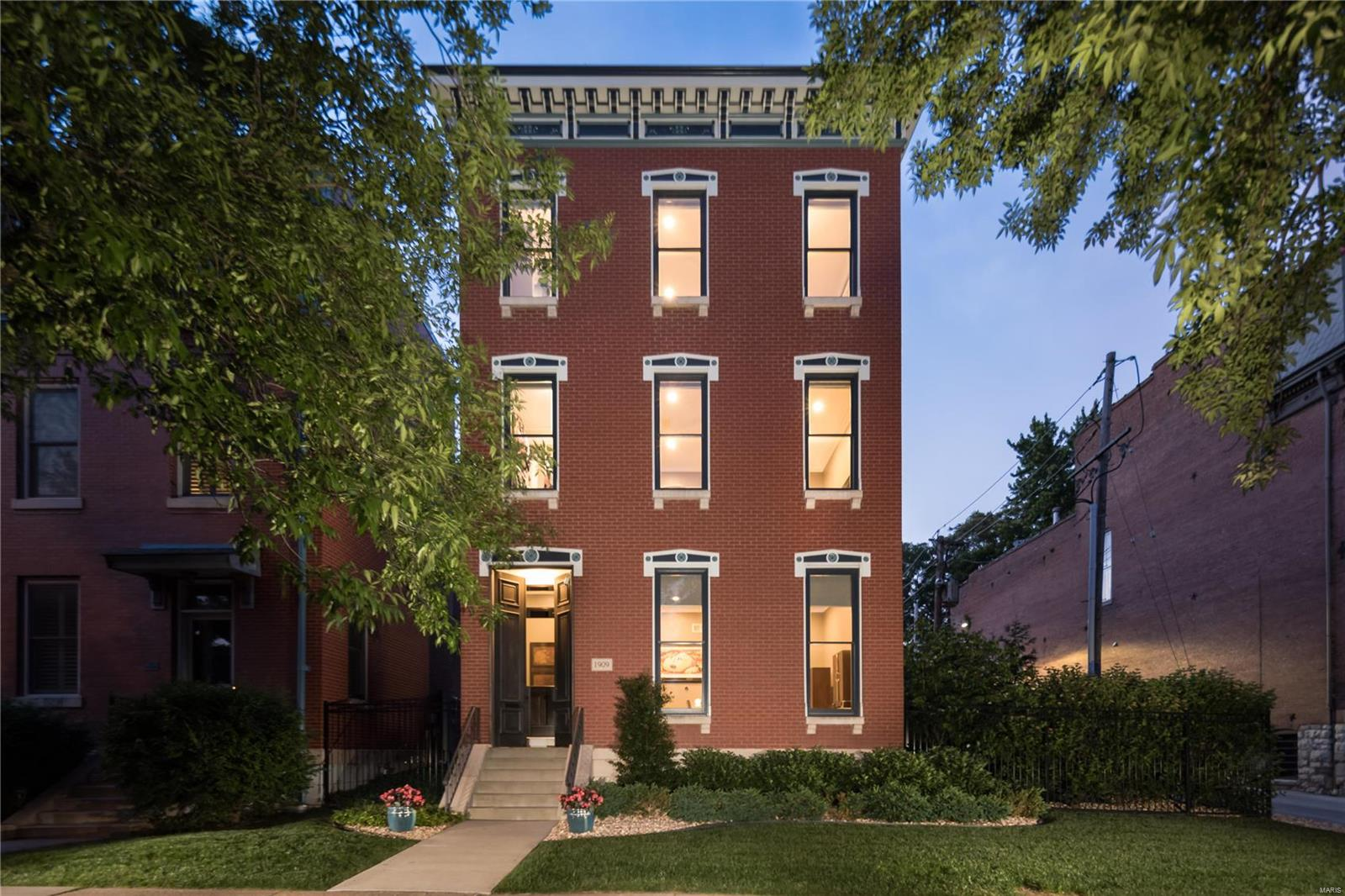 1909 Lafayette Avenue Property Photo - St Louis, MO real estate listing