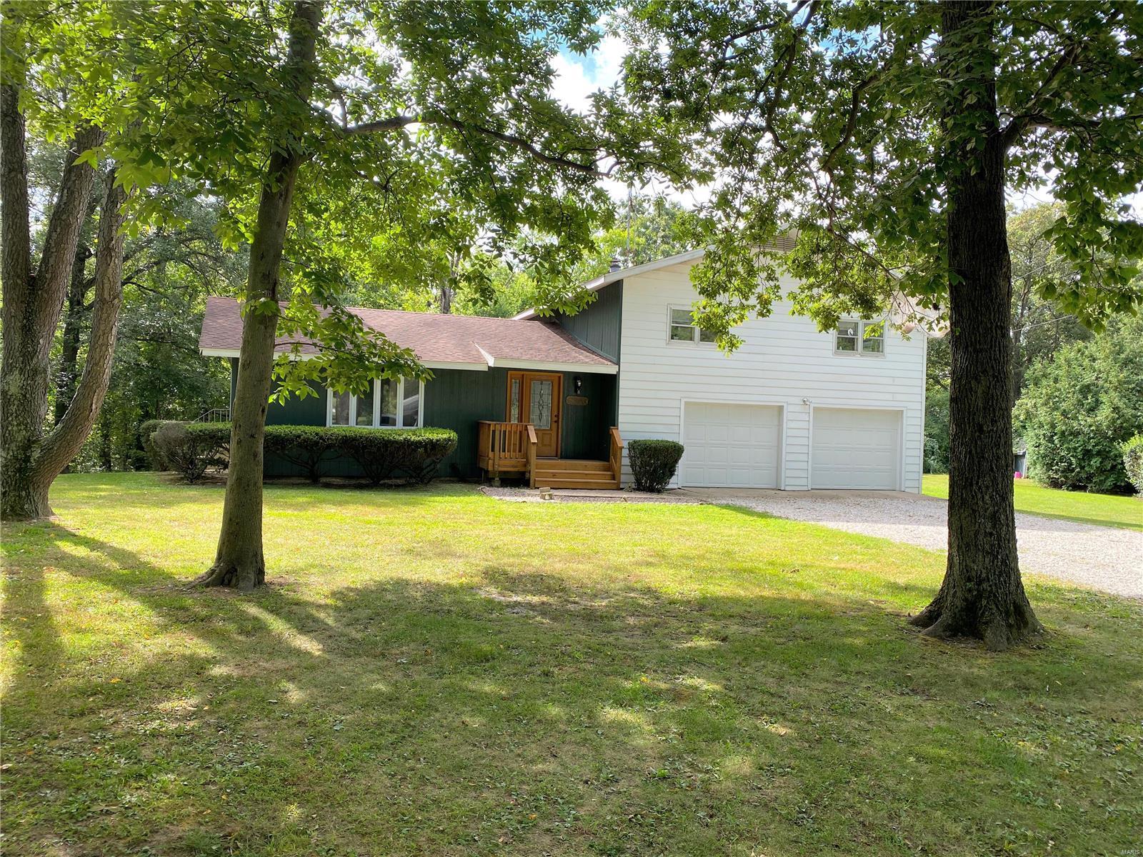 626 Parkside Street Property Photo - Hillsboro, IL real estate listing