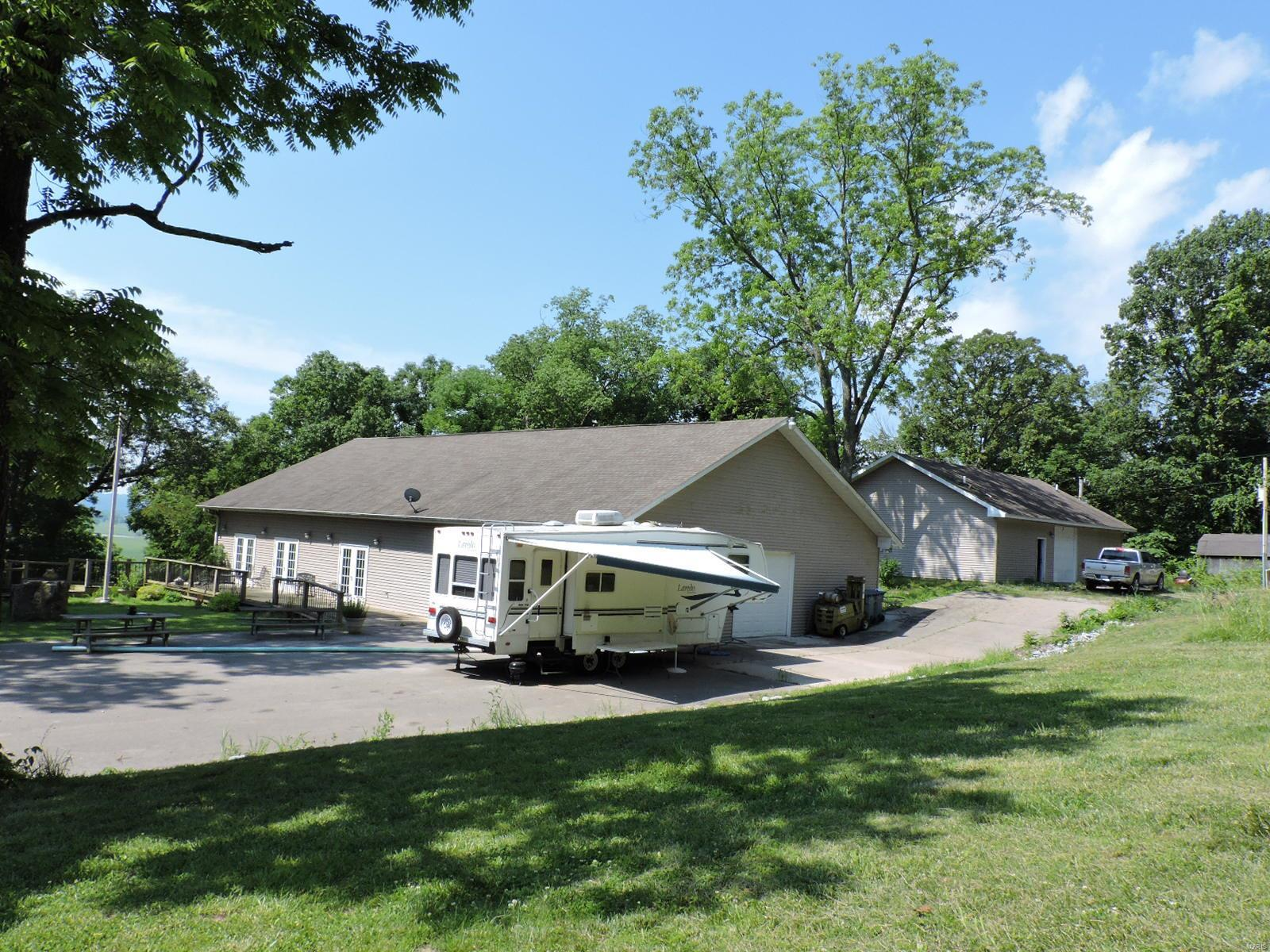 140 Buttermilk Hill Property Photo - Ava, IL real estate listing