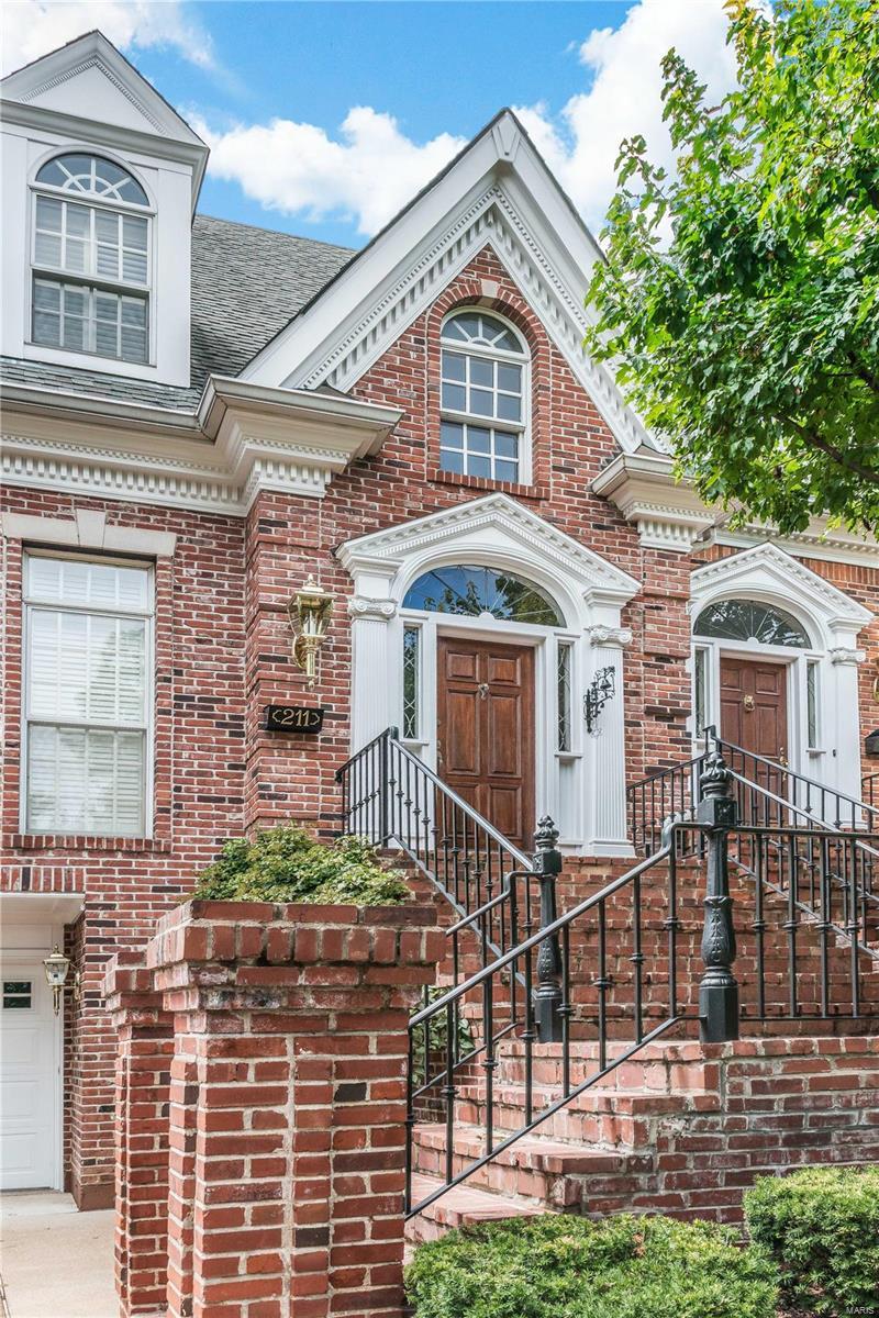 211 N Bemiston Avenue Property Photo - Clayton, MO real estate listing