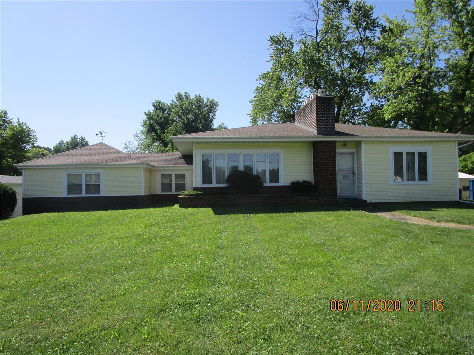 12 Circle Drive Property Photo - Fairview Heights, IL real estate listing