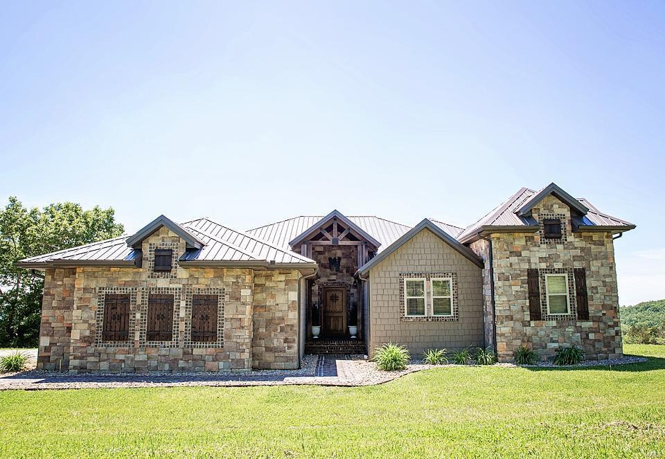 10106 Sunshine Property Photo - Mountain Grove, MO real estate listing
