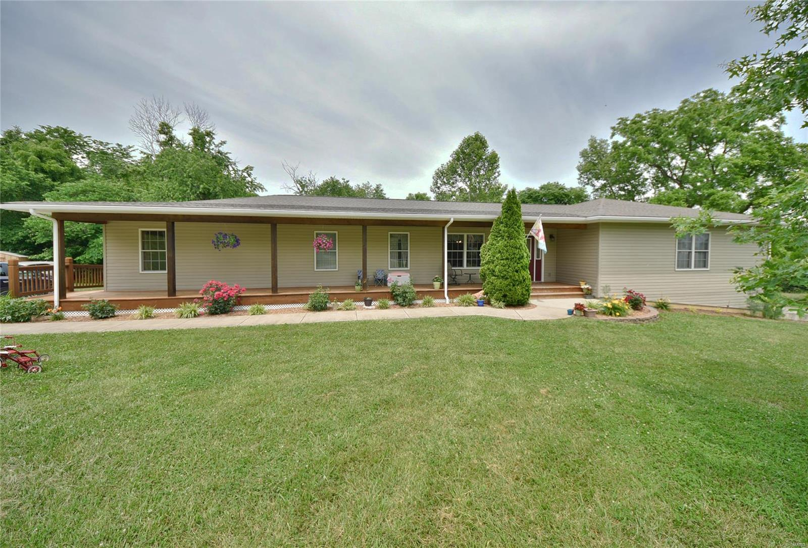 5818 Highway T Property Photo - Augusta, MO real estate listing