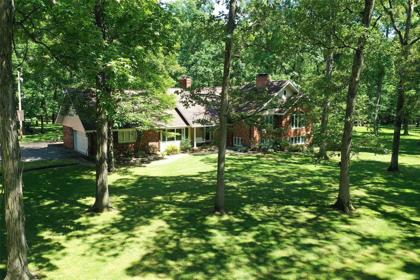 4032 State Route 160 Property Photo - Highland, IL real estate listing