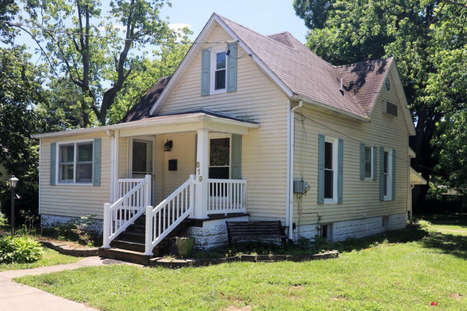 819 W Maplewood Property Photo