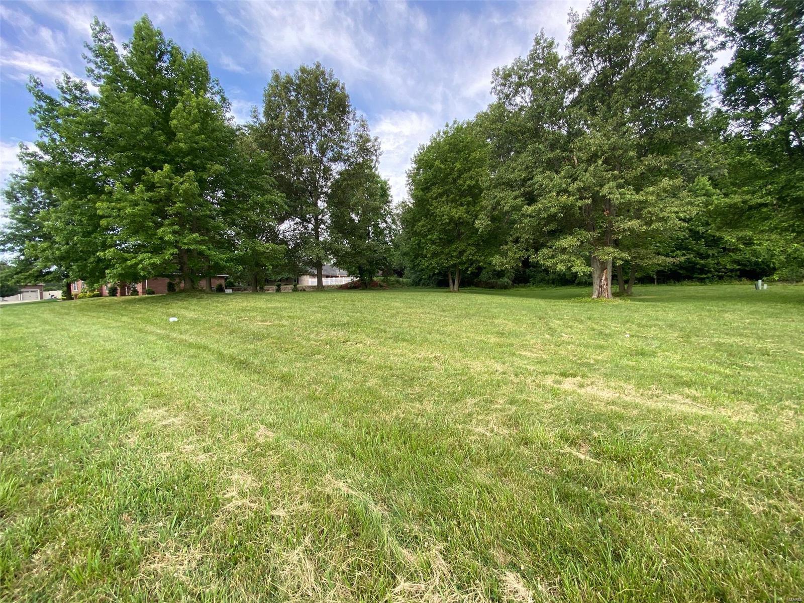 135 Pinhurst Ct Property Photo - Marion, IL real estate listing