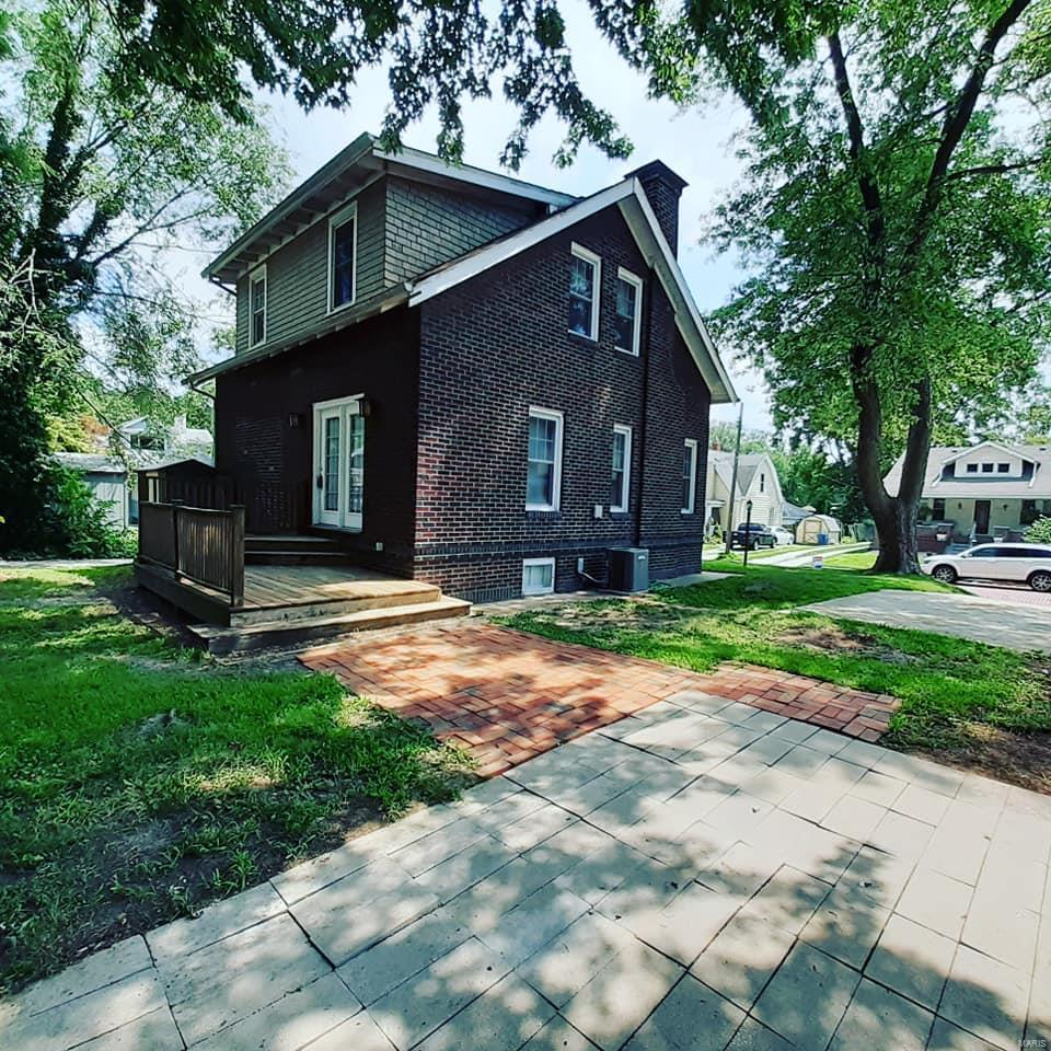 2510 Bloomfield Avenue Property Photo