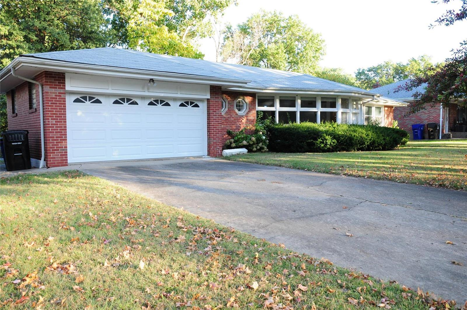 944 Jeanerette Property Photo - St Louis, MO real estate listing