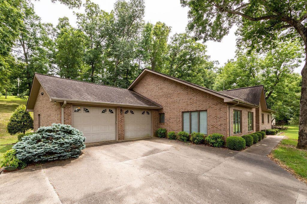 1025 Mars Lane Property Photo