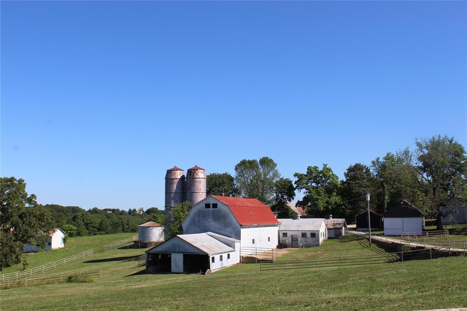 5121 Kiel Lyon Road Property Photo - New Haven, MO real estate listing