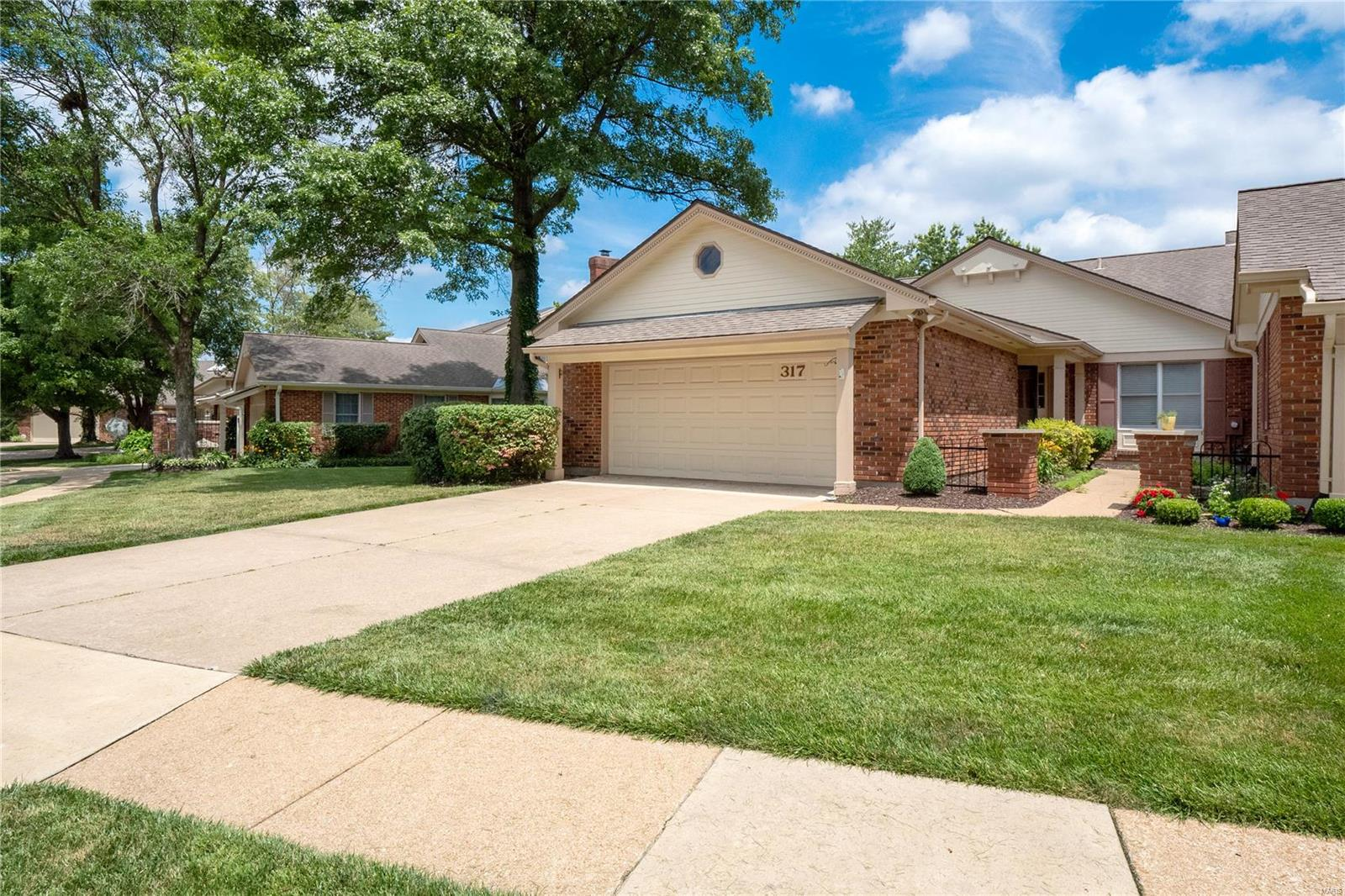 317 Morristown Court Property Photo - Chesterfield, MO real estate listing