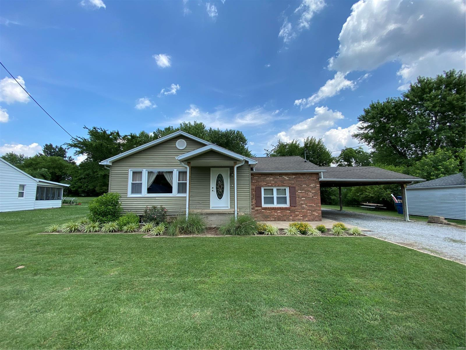 414 Willow Street Property Photo - Carterville, IL real estate listing