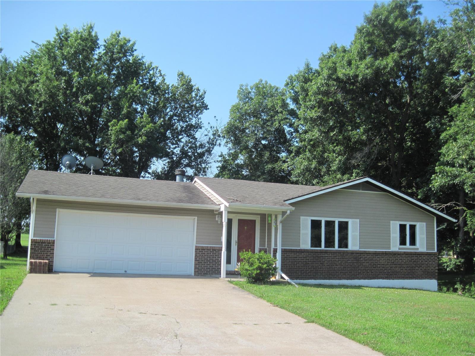 49249 E Lakeshore Drive Property Photo - Hannibal, MO real estate listing