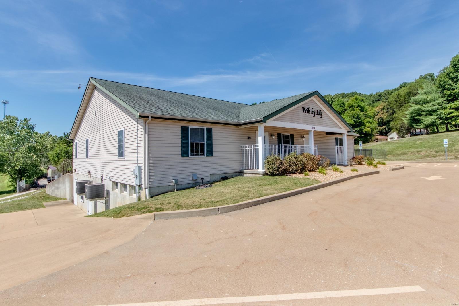 1508 Professional Drive Property Photo
