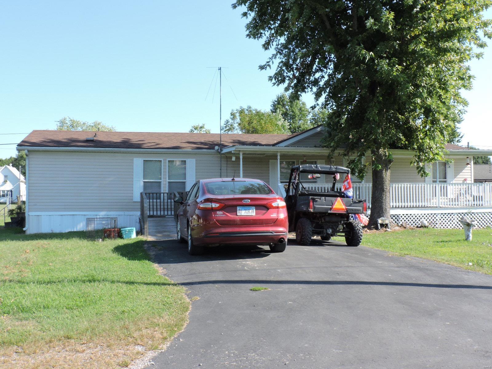 207 W Washington Property Photo - Ava, IL real estate listing