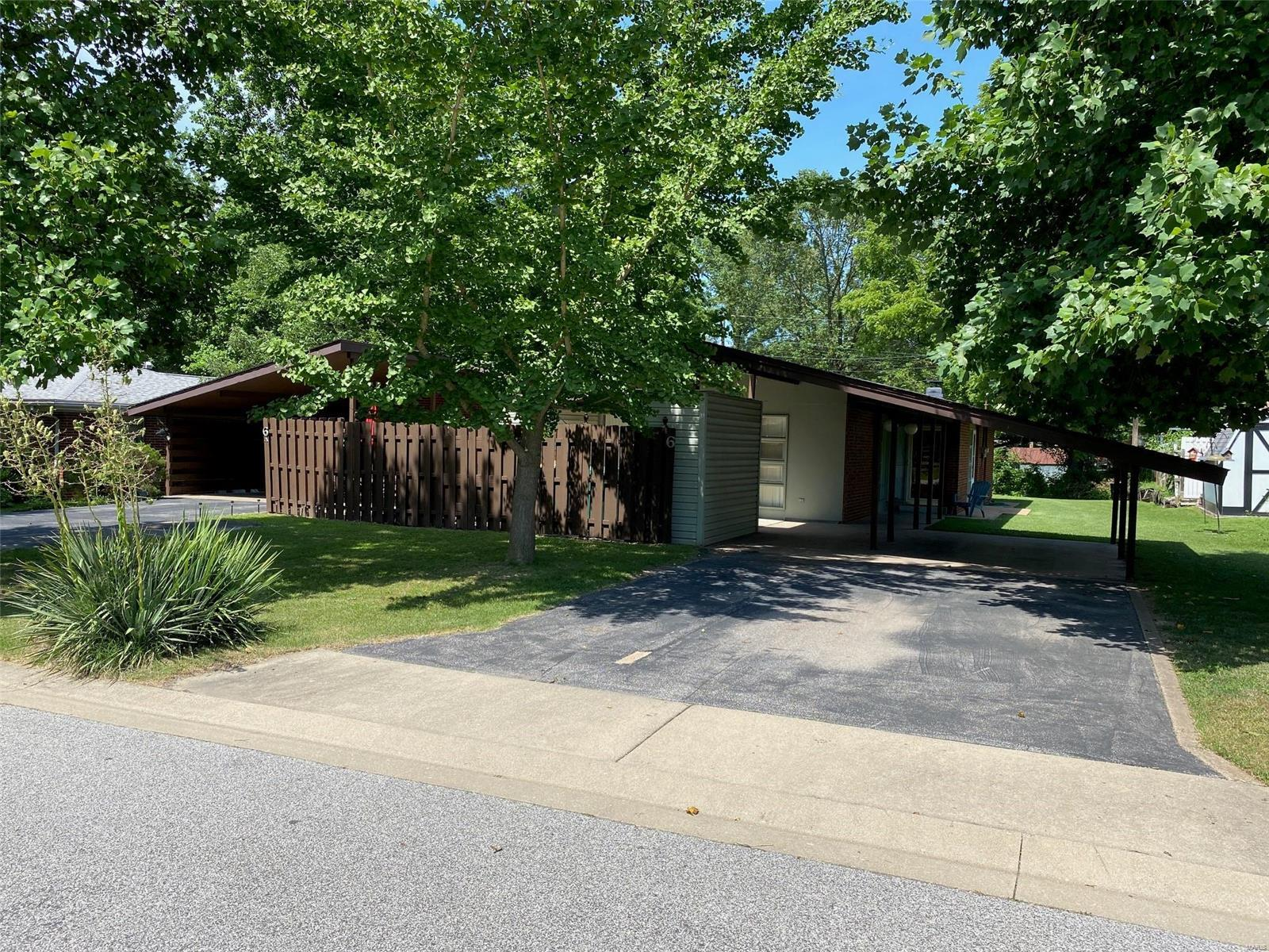 6 Carlin Drive Property Photo - Fairview Heights, IL real estate listing