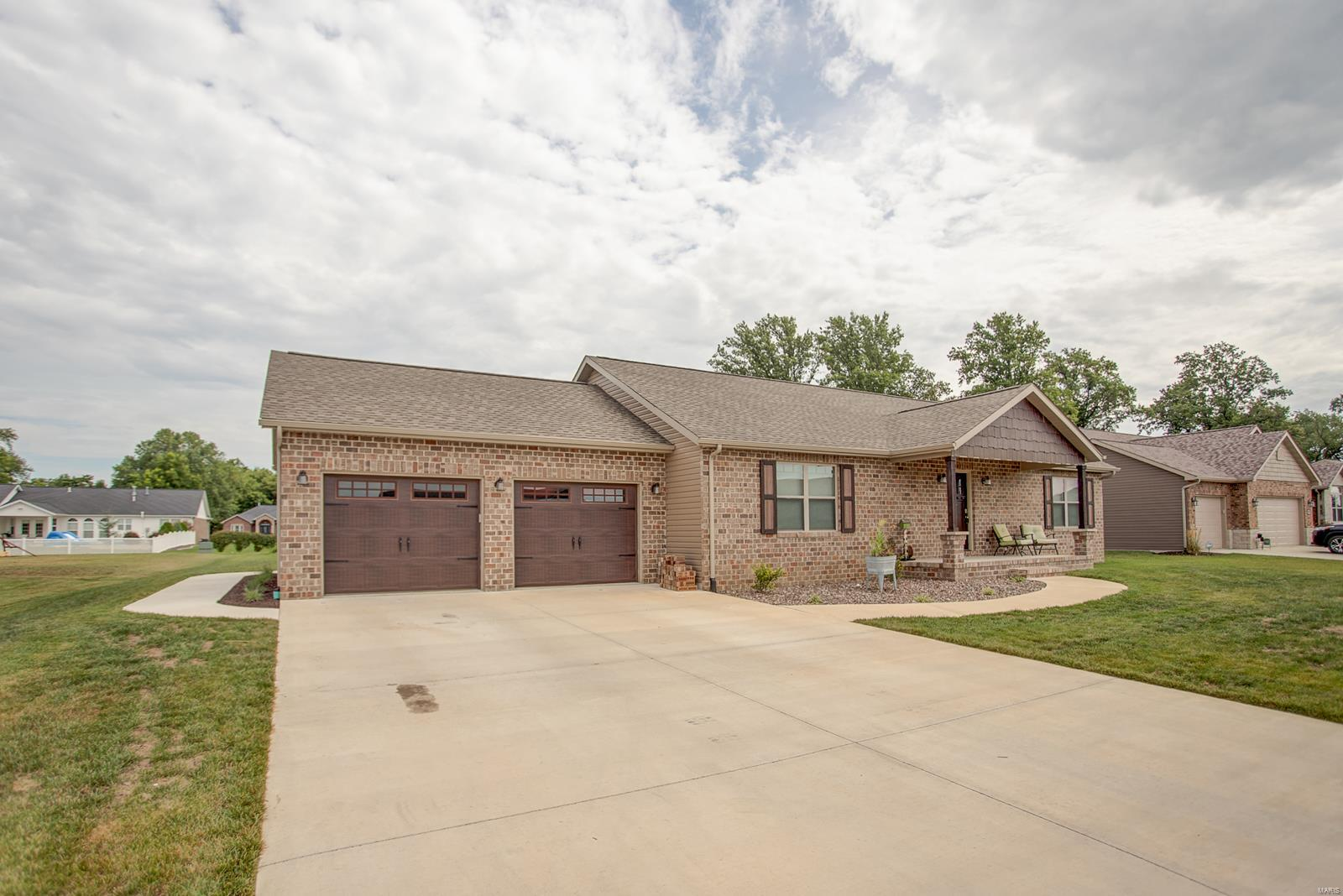 9609 Fieldcrest Property Photo - Breese, IL real estate listing