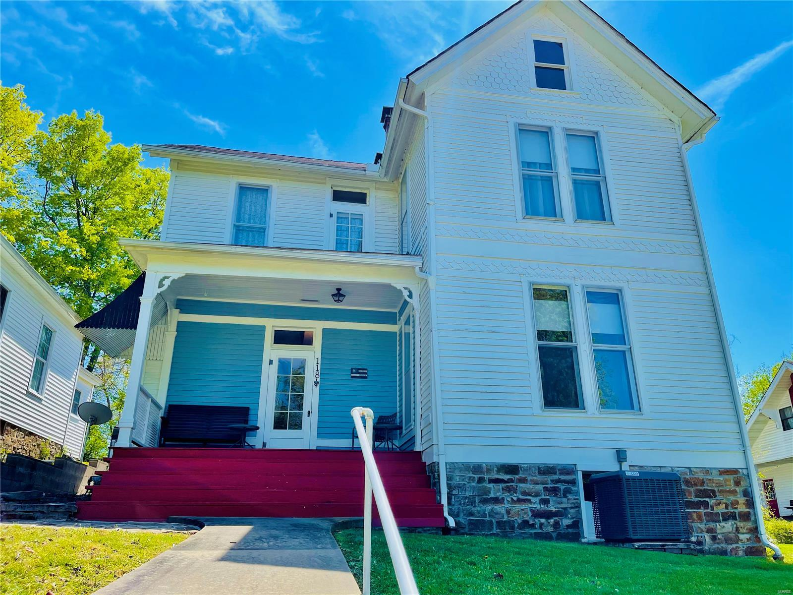 118 E Madison Street Property Photo - Golconda, IL real estate listing
