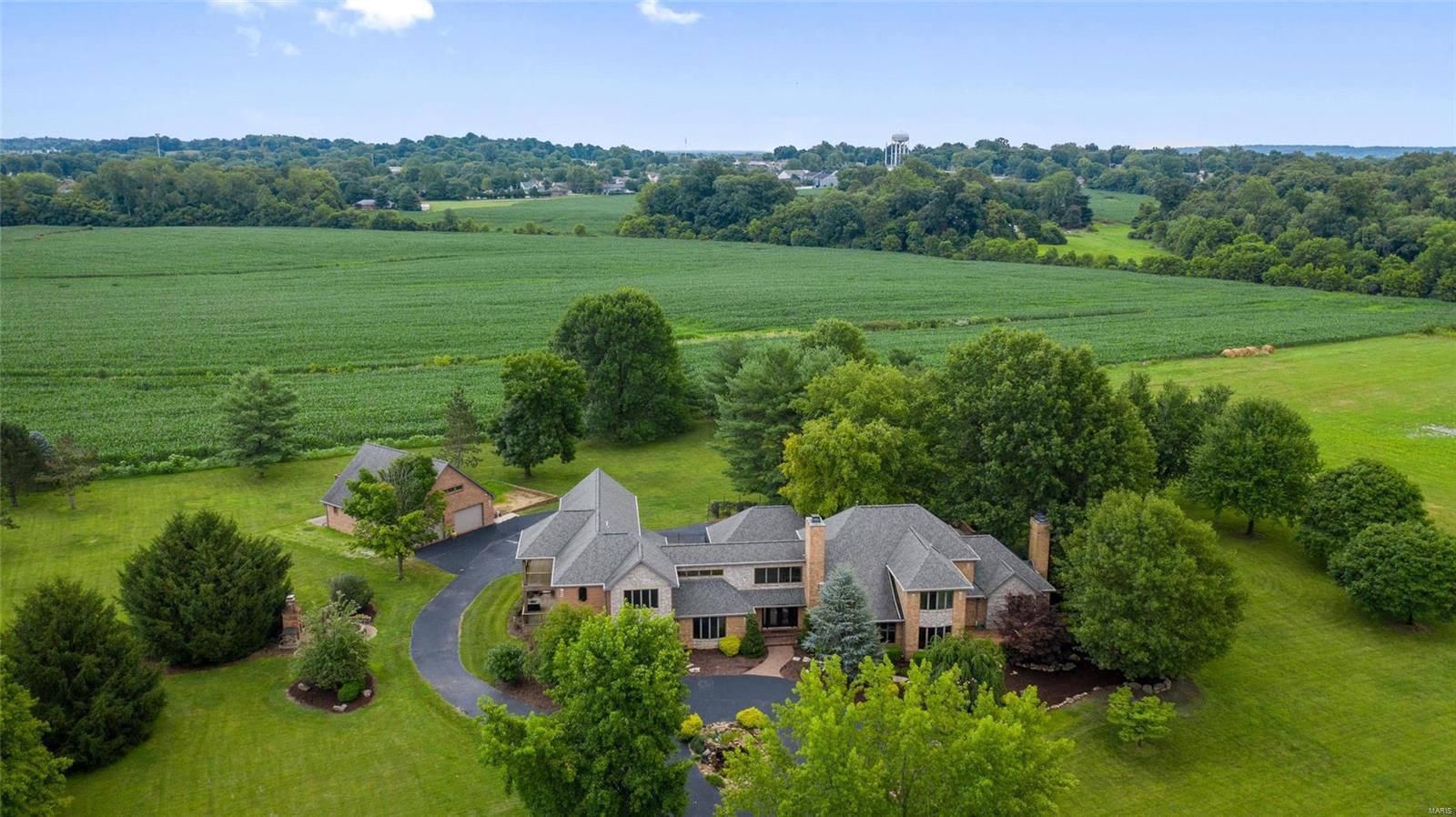 512 Lake Christine Drive Property Photo - Belleville, IL real estate listing
