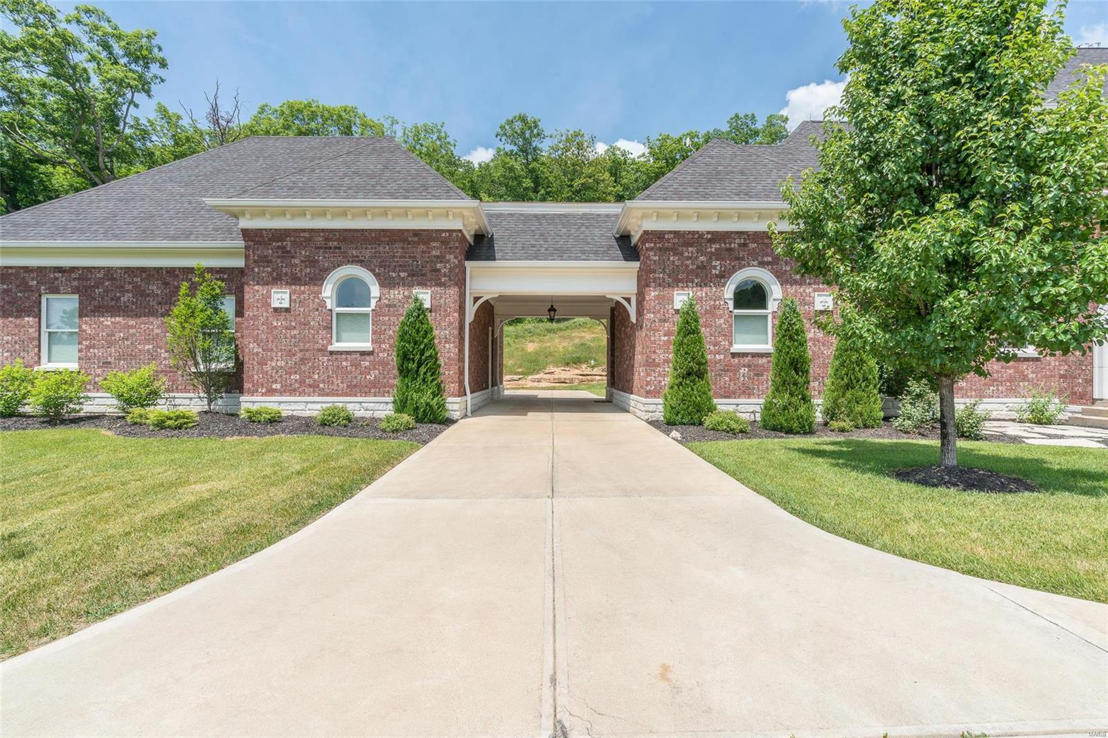 63069 Real Estate Listings Main Image