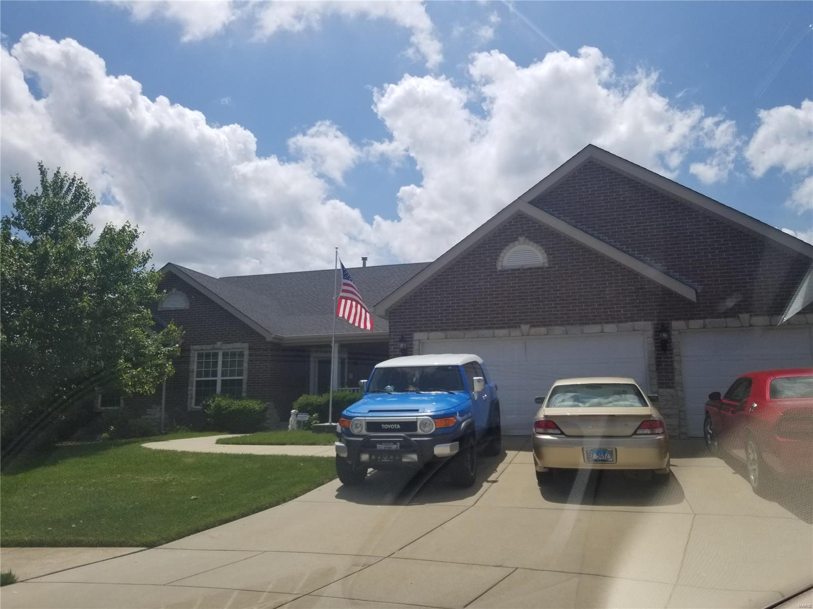 2242 Chatham Court Property Photo - Maryville, IL real estate listing