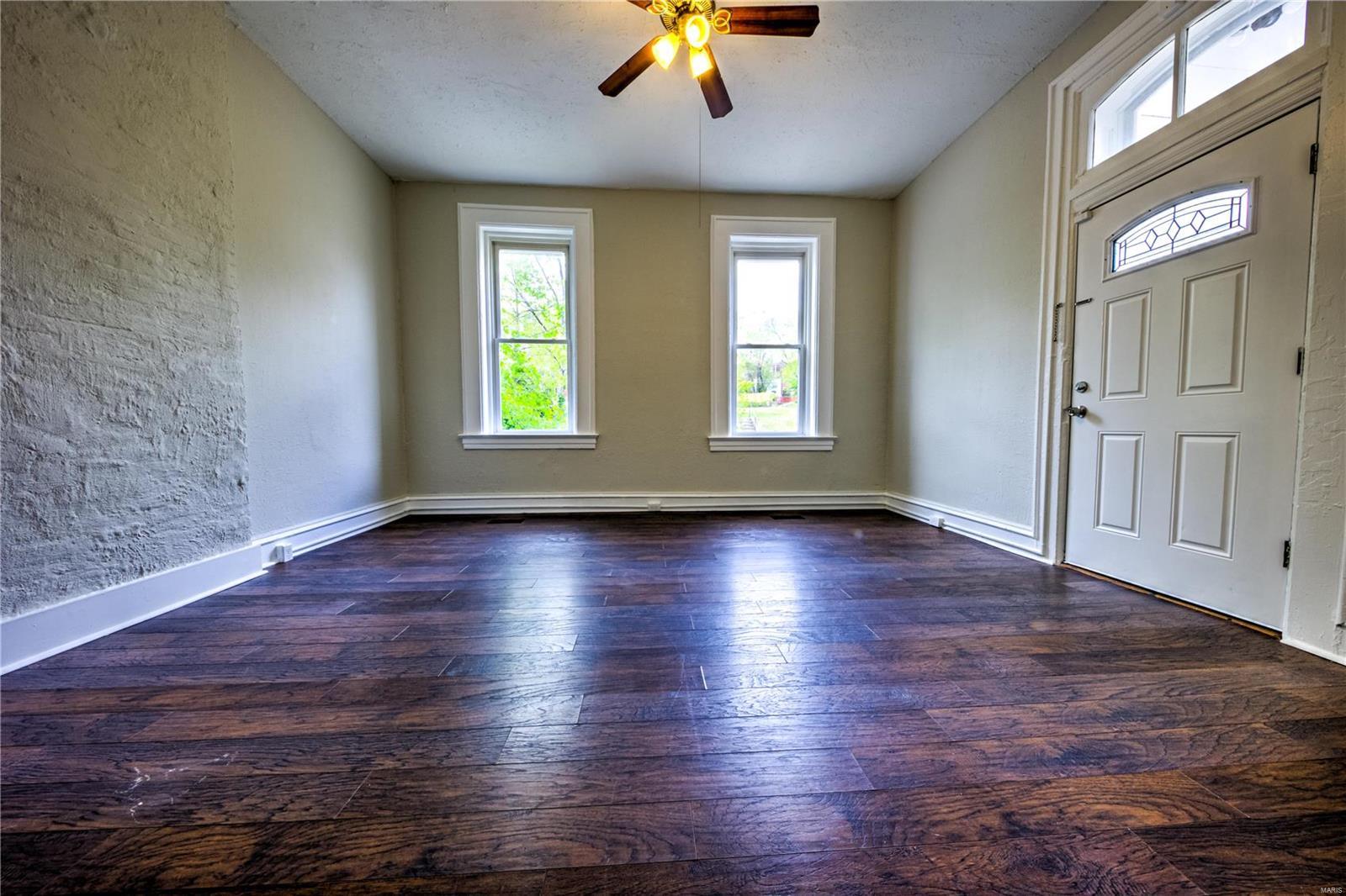 2208 Chippewa Property Photo